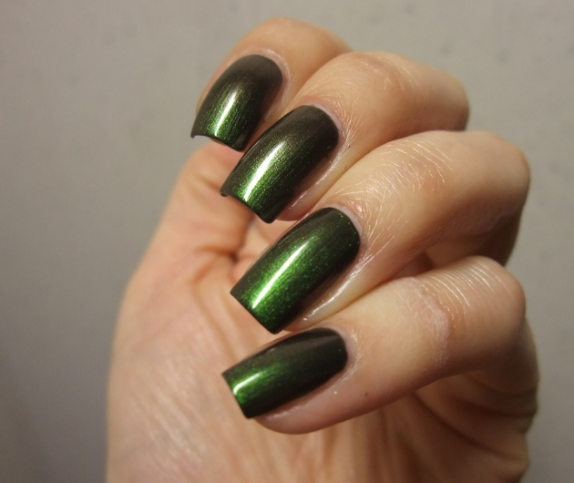OPI - Green On The Runway 13