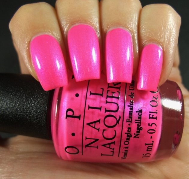 OPI - Hotter Than You Pink 01