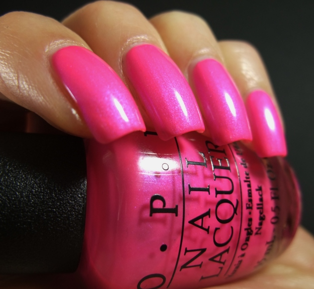OPI - Hotter Than You Pink 05