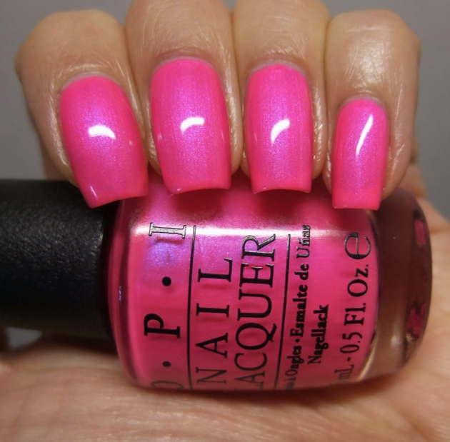 OPI - Hotter Than You Pink 07