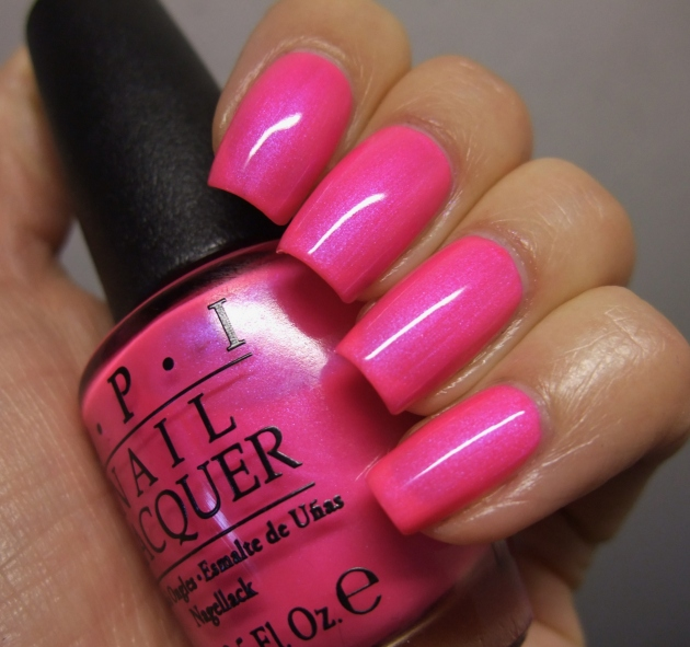 OPI - Hotter Than You Pink 08