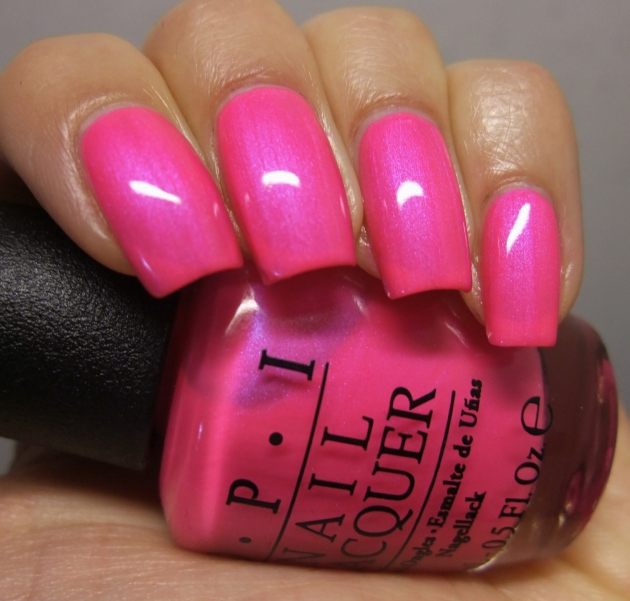 OPI - Hotter Than You Pink 09