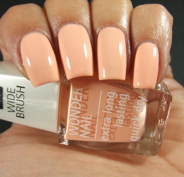 IsaDora - Peachy Colada 05