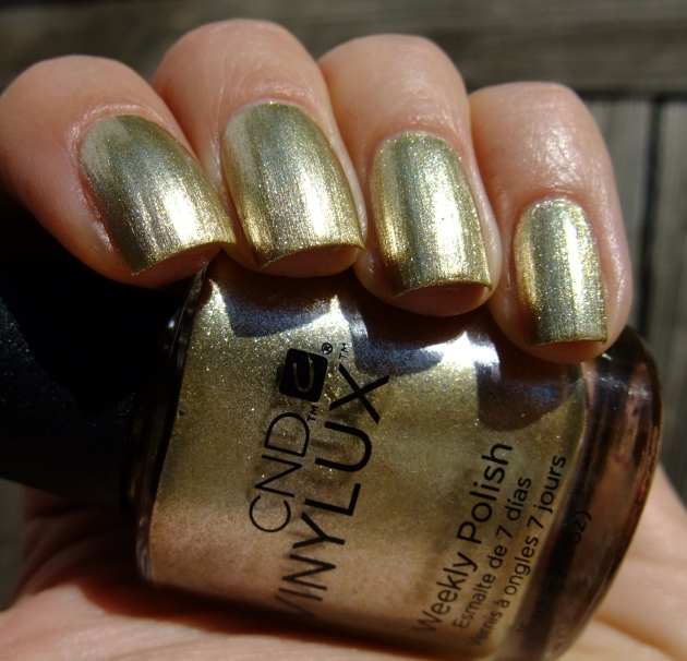 CND Vinylux - Locked Love 02