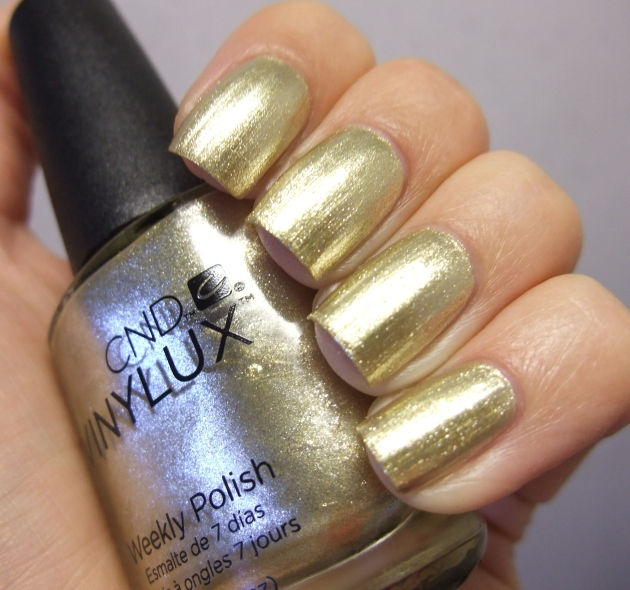 CND Vinylux - Locked Love 10