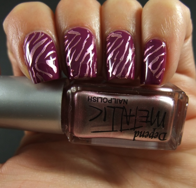 Metallic Zebra Pattern 01