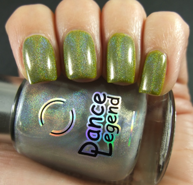 China Glaze Budding Romance w holo top coat 02
