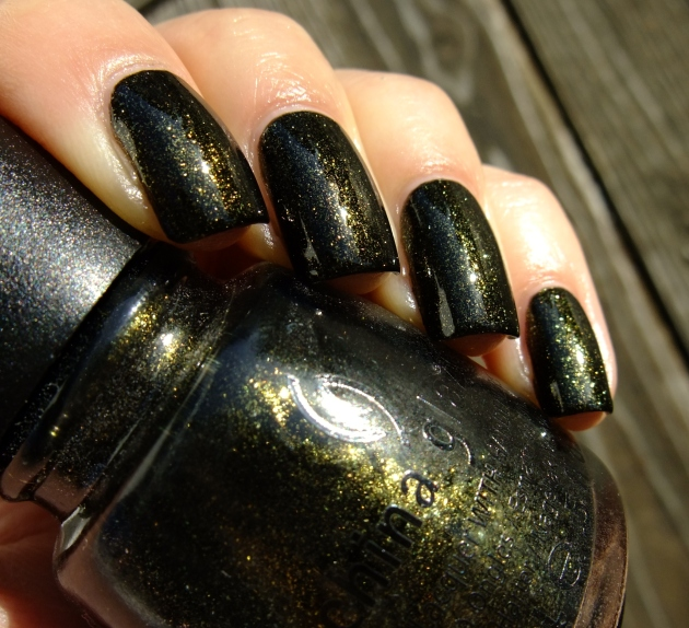 China Glaze - Cast A Spell 01