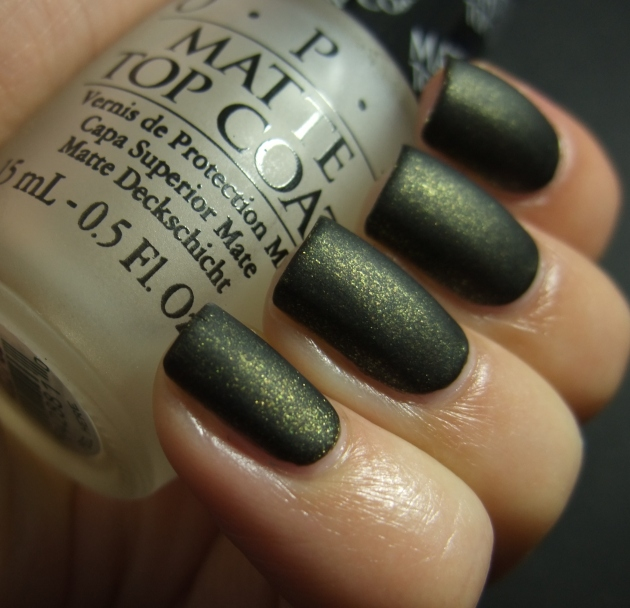 China Glaze - Cast A Spell matte 05