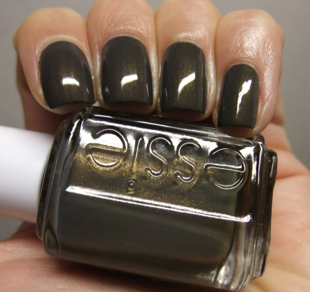 Essie - Armed And Ready 11