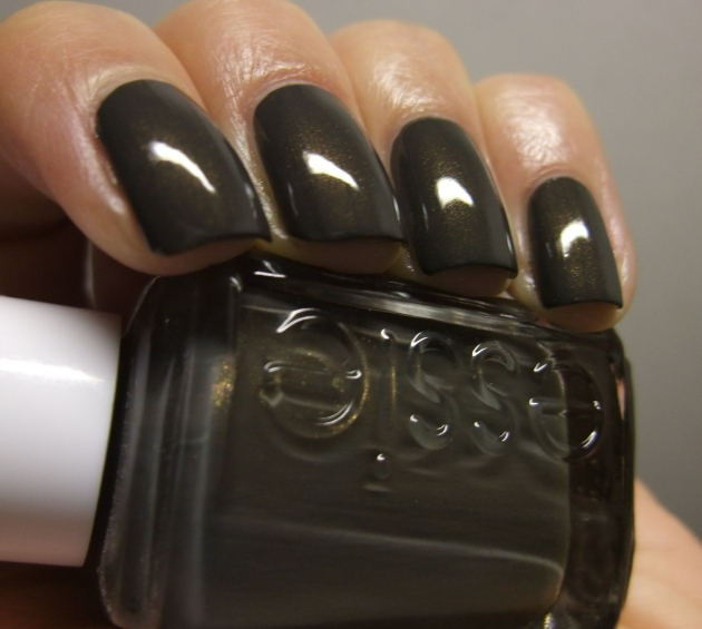 Essie - Armed And Ready 12