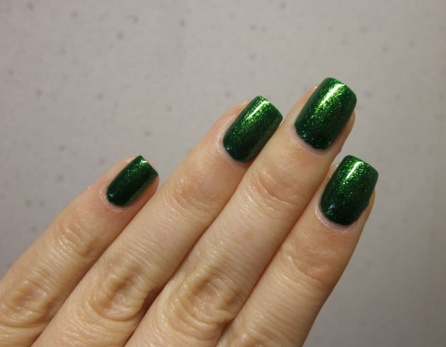 KIKO - 533 Pearly Golden Green 09