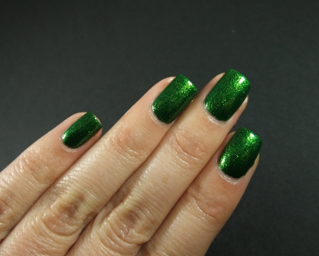 KIKO - 533 Pearly Golden Green 11