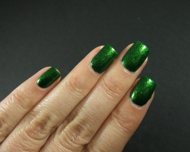 KIKO - 533 Pearly Golden Green 11