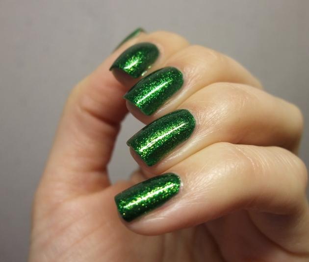 KIKO - 533 Pearly Golden Green 12