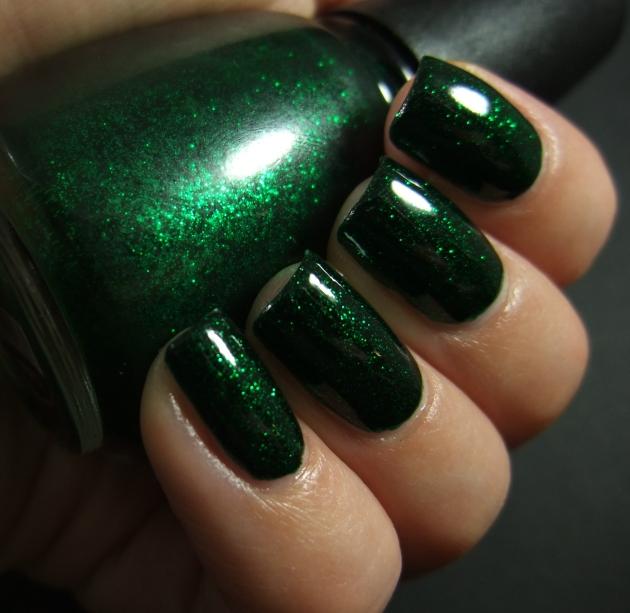 China Glaze - Emerald Sparkle 06