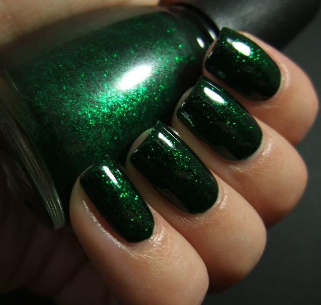 China Glaze - Emerald Sparkle 07