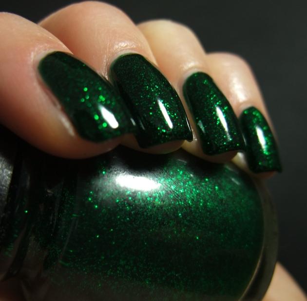 China Glaze - Emerald Sparkle 08