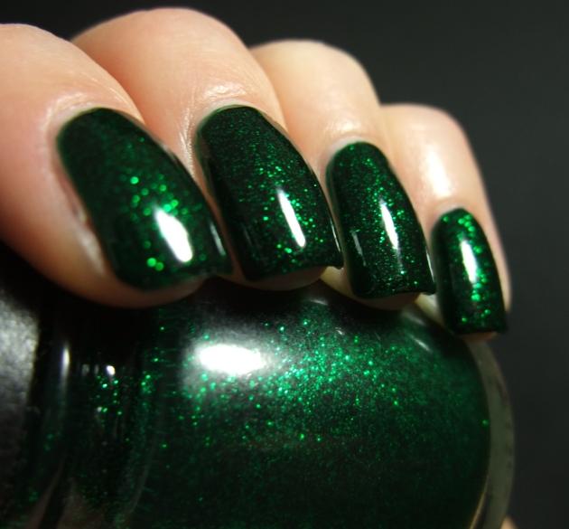 China Glaze - Emerald Sparkle 11