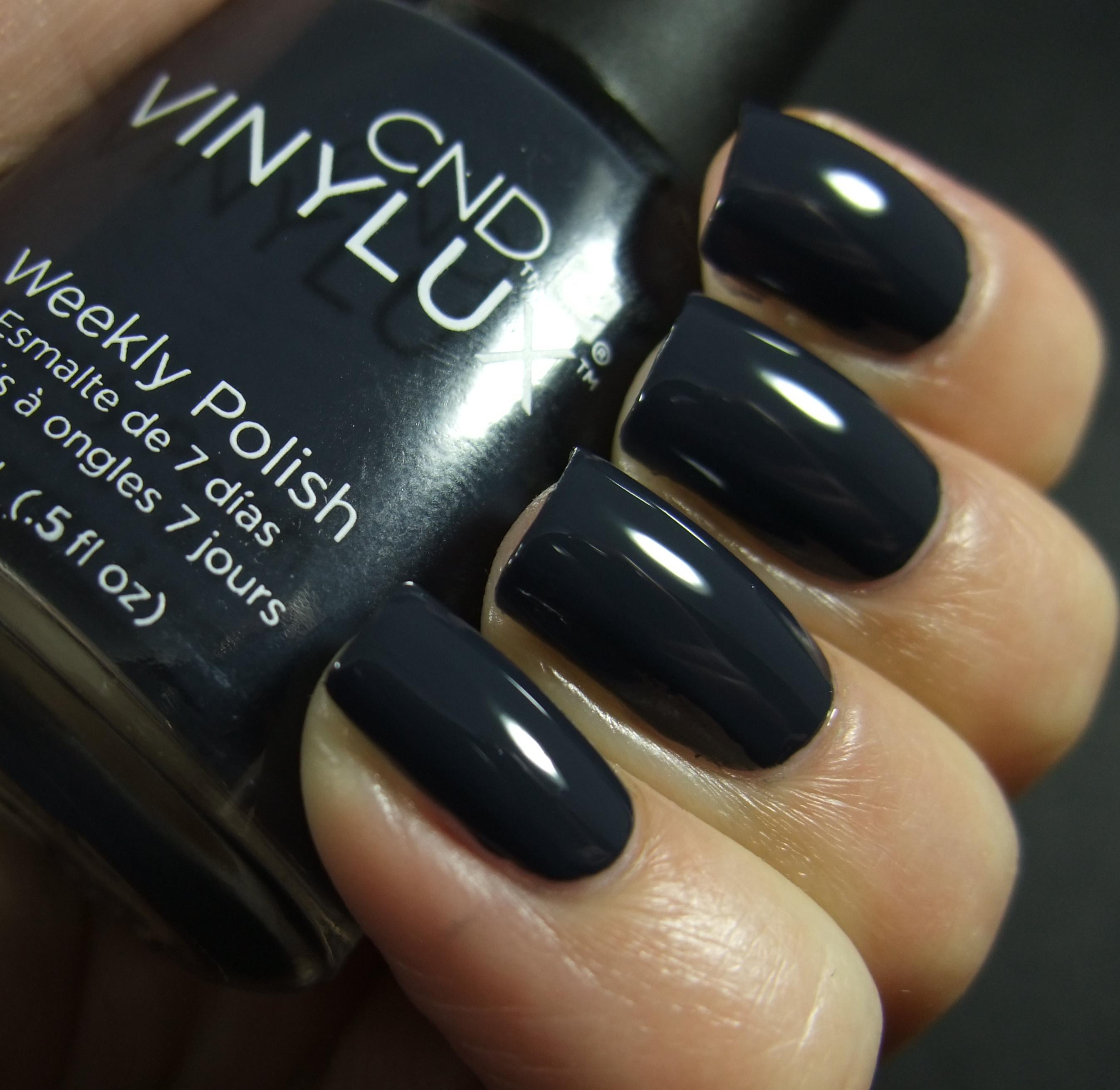Cnd overtly onyx фото на ногтях
