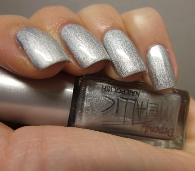 Depend Metallic - 4040 Sonic Silver topplack 03