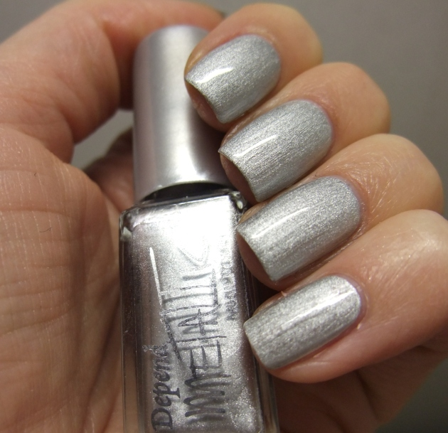 Depend Metallic - 4040 Sonic Silver topplack 04