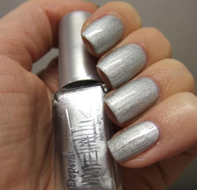 Depend Metallic - 4040 Sonic Silver topplack 04