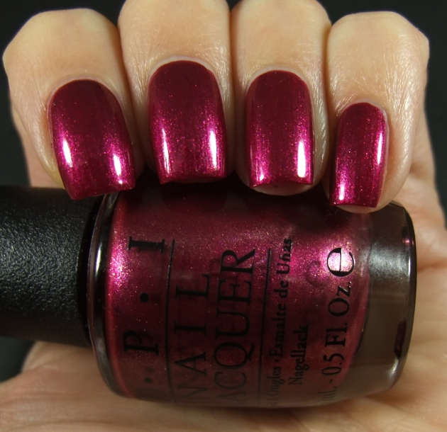 OPI - Cute LIttle Vixen 01