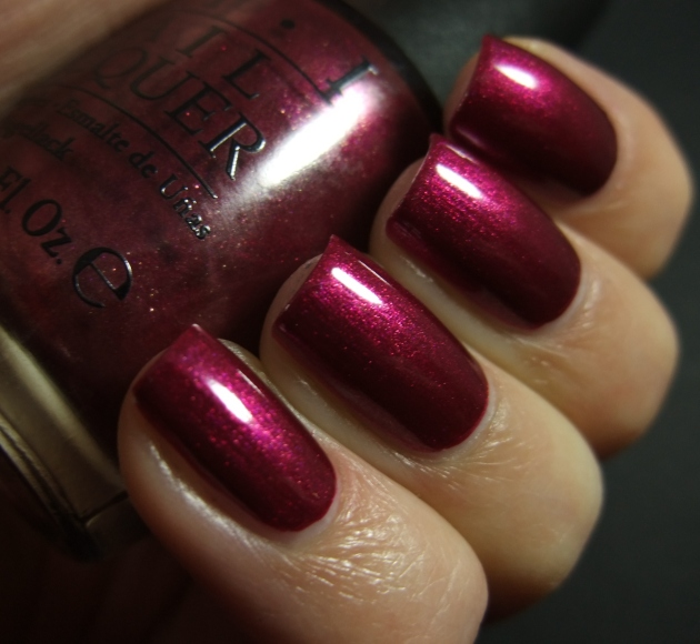 OPI - Cute LIttle Vixen 05