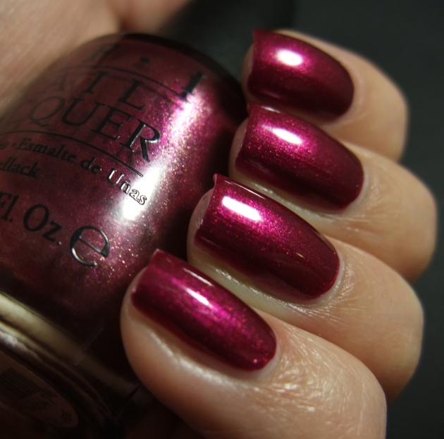 OPI - Cute LIttle Vixen 07