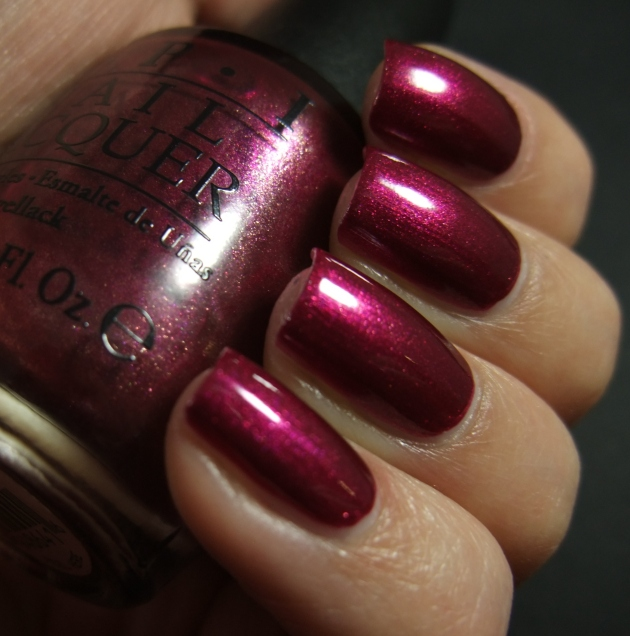 OPI - Cute LIttle Vixen 08