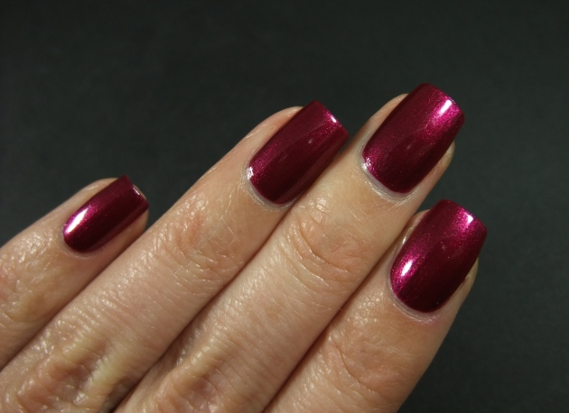 OPI - Cute LIttle Vixen 10