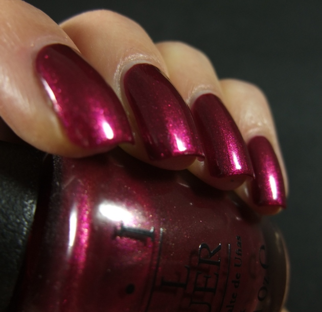 OPI - Cute LIttle Vixen 14