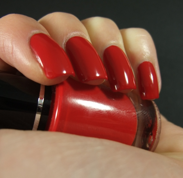 qp nailpolish - Red Gawn 08