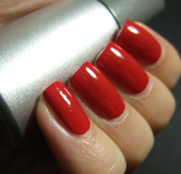 qp nailpolish - Red Gawn one coat 01
