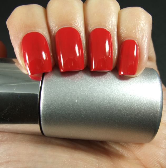 qp nailpolish - Red Gawn one coat 02