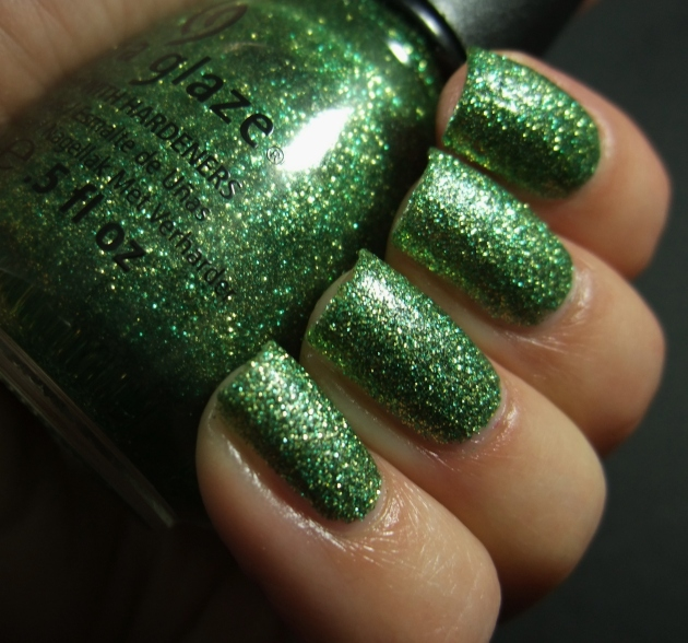 China Glaze - This Is Tree-Mendous 03