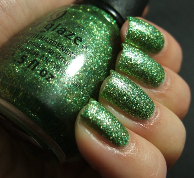 China Glaze - This Is Tree-Mendous 04