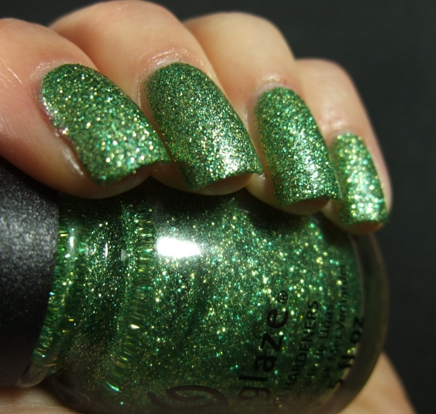 China Glaze - This Is Tree-Mendous 05