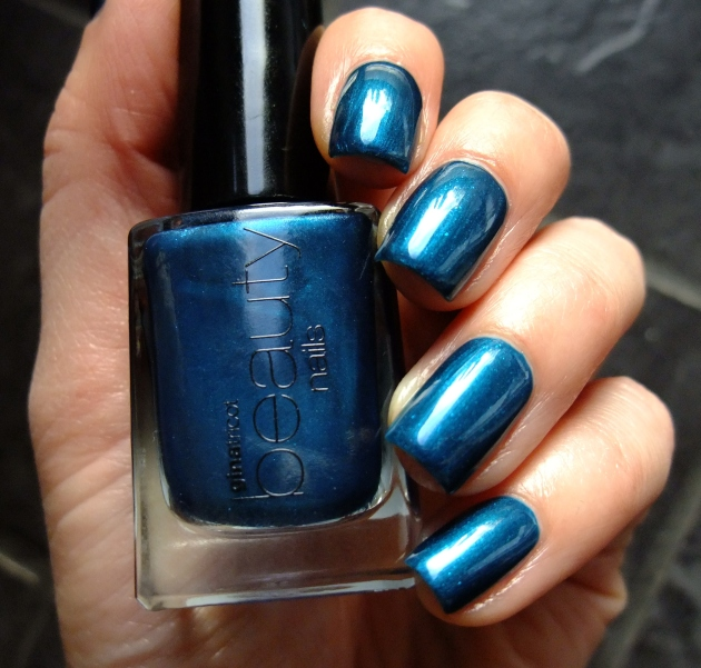 Gina Tricot - Brilliant Blue 05