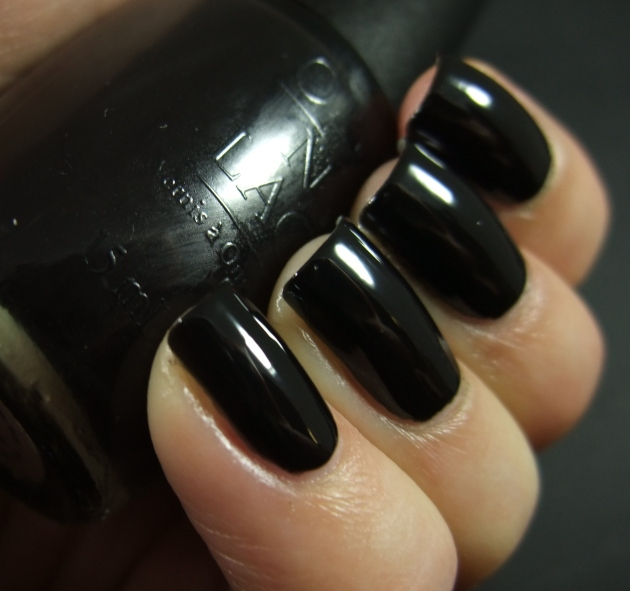 OPI - WHO ARE YOU CALLING BOSSY 06