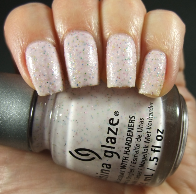 China Glaze - Sand Dolla Make You Holla 01