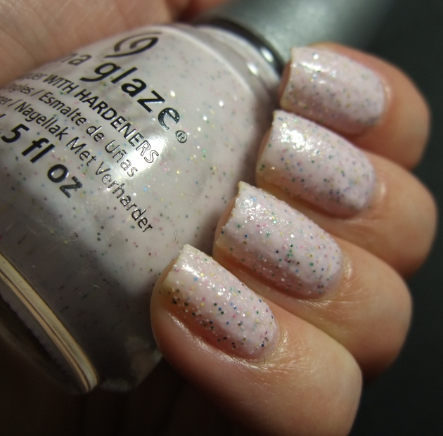 China Glaze - Sand Dolla Make You Holla 03