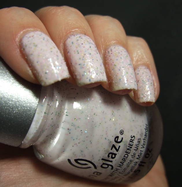 China Glaze - Sand Dolla Make You Holla 05
