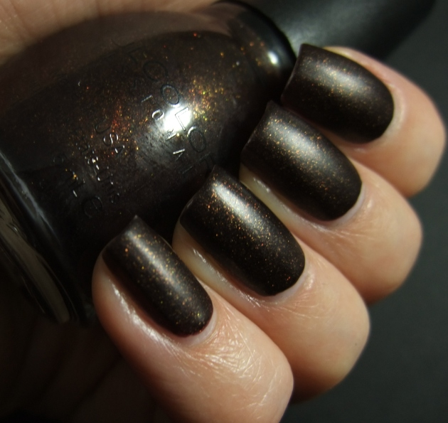 Sinful Colors - Leather Loose 06