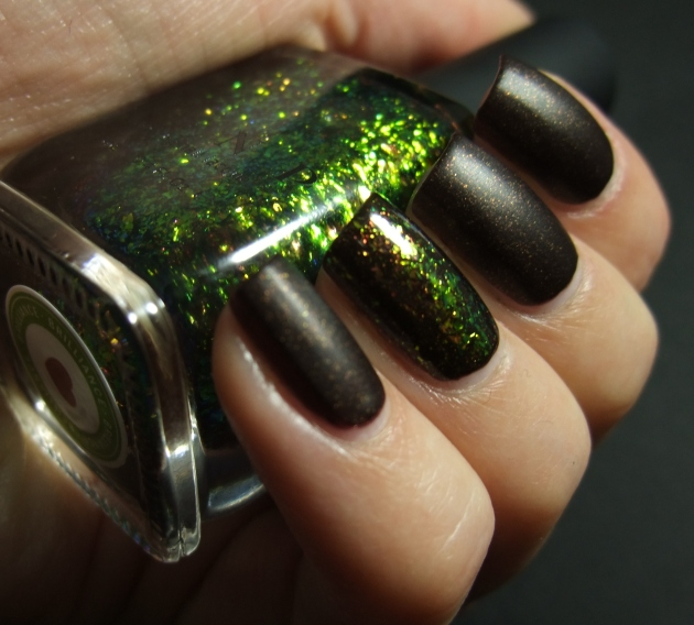 Sinful Colors - Leather Loose w ILNP 01
