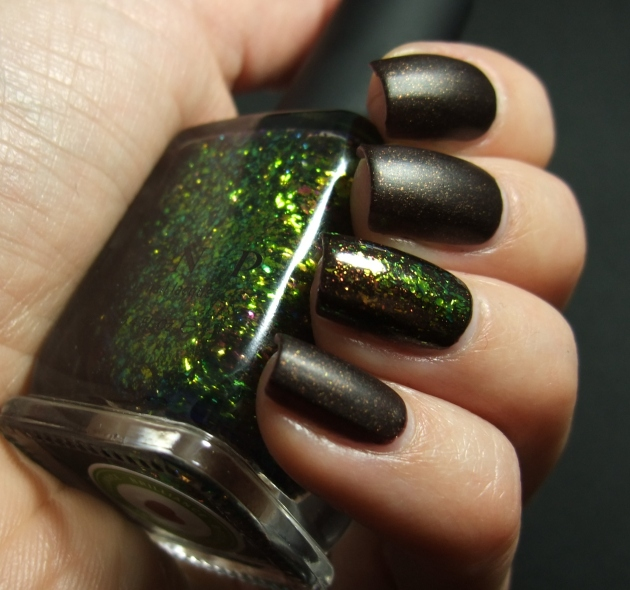 Sinful Colors - Leather Loose w ILNP 02