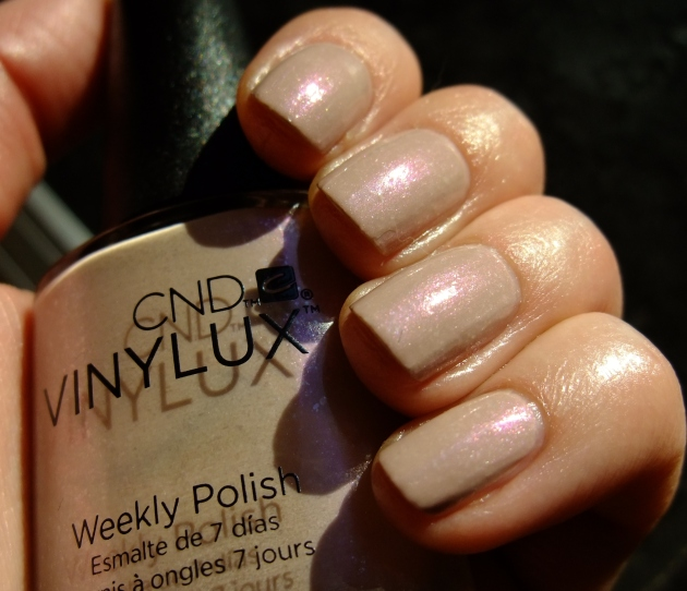 CND Vinylux - Fragrant Freesia 02
