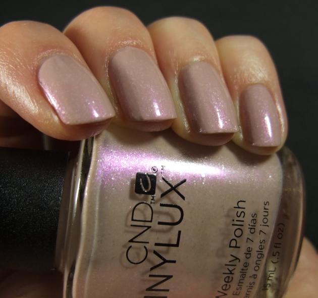 CND Vinylux - Fragrant Freesia 14