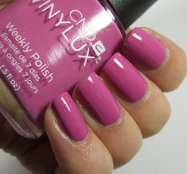 CND Vinylux - 188 Crushed Rose 03